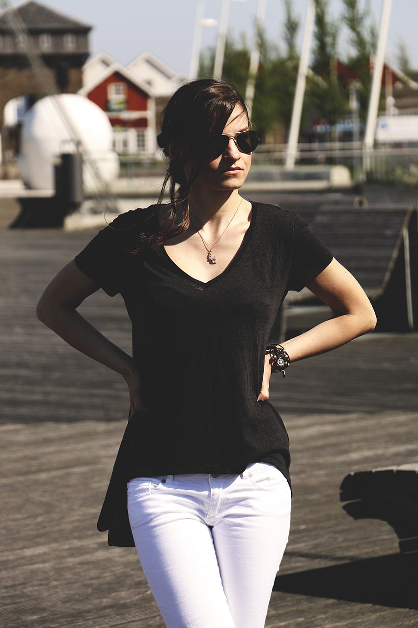 czarno bialy stroj dnia